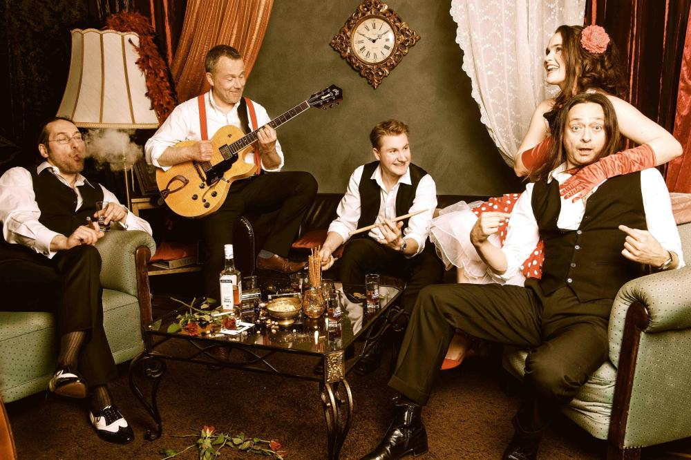 2016 11 04 VILOU and the Gipsy Gentlemen Pressefoto by Shirin Baouche VILOU & The Gipsy Gentlemen | Jazz, Swing und Gipsy