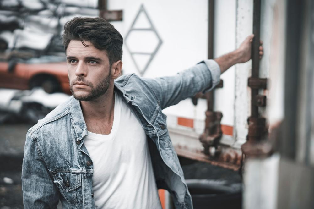 2019 03 27 JD Eicher Pressefoto by DS Creative JD Eicher (USA): The Compass EP | Pop, Rock, Singer Songwriter