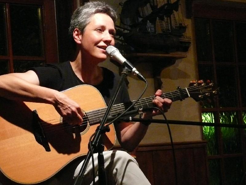 """Konzertabend - Annett Kuhr """"Nur ein Katzensprung"""""""